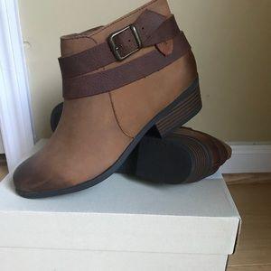 Clark's Tan Addiy Cora Ankle Boots